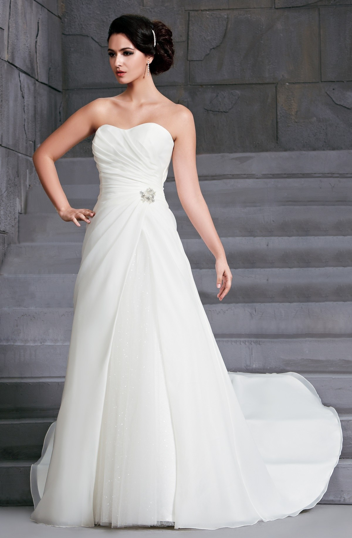 D31414 : D\'Zage Bridal Collection | Veromia